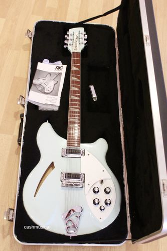 Rickenbacker 360 12 Blue Boy