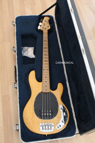 Music Man Stingray 4H